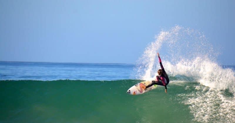 Sally Fitzgibbons Traveling Pro Surfer Atravelthingcom