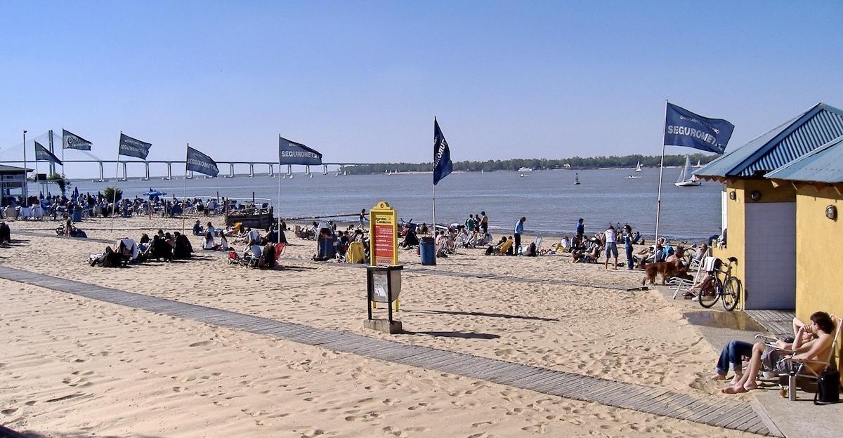Paraná_River_beach argentina