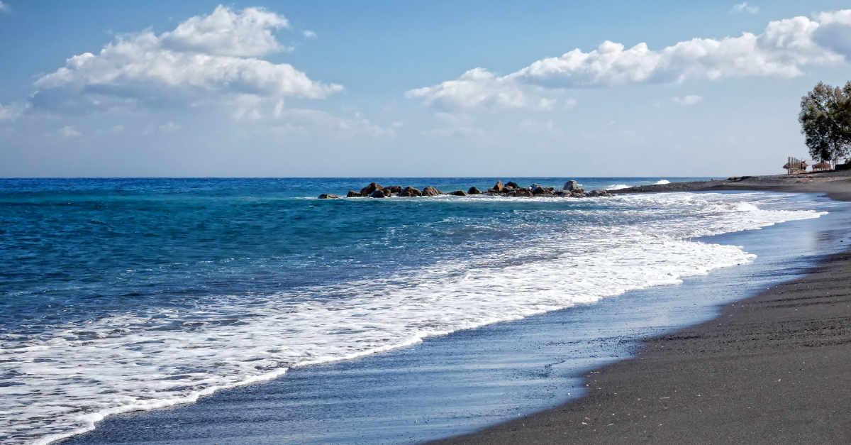 An image of a nice Santorini beach
