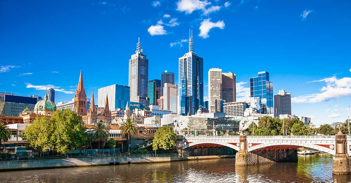A view of the Yarra River with the Melbourne Australia skyline in the background