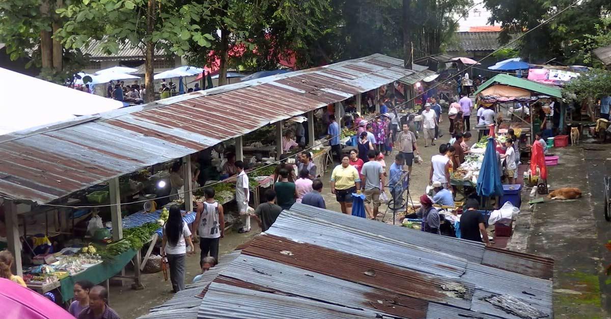 Street market in Pong Noi near Chiang Mai in Thailand