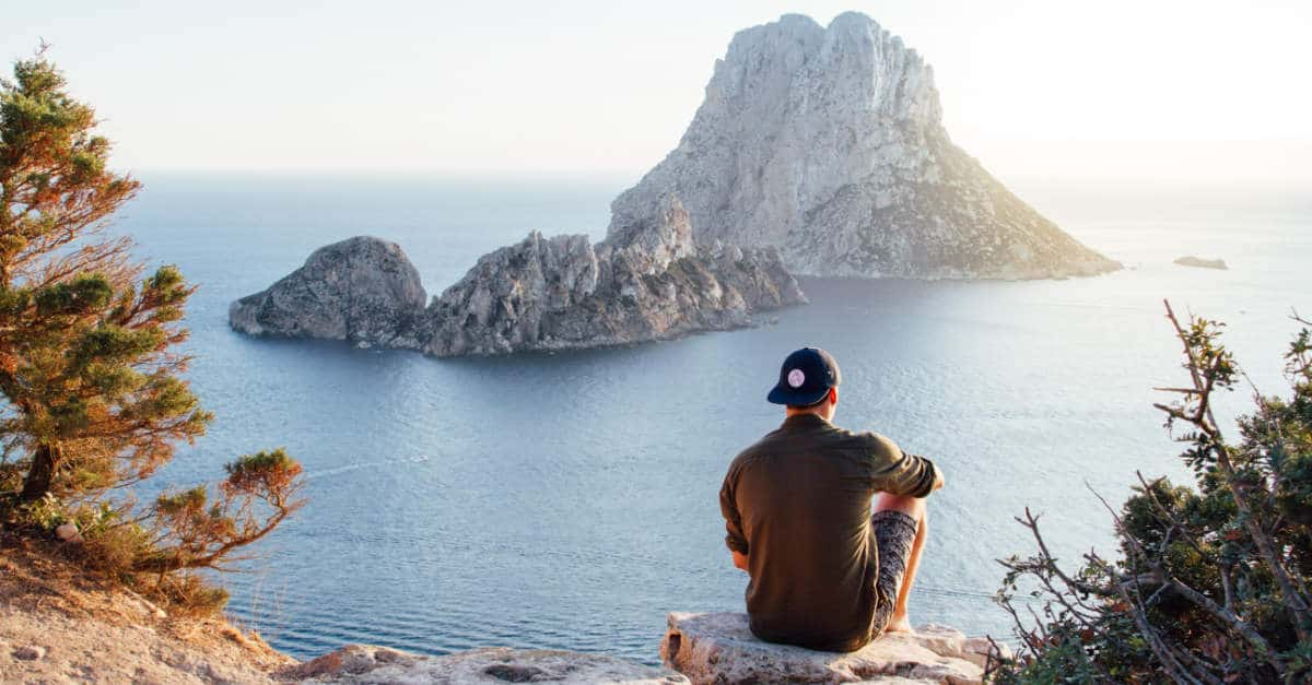 4 Reasons and 3 Tips to Slow Travel | aTRAVELthing.com